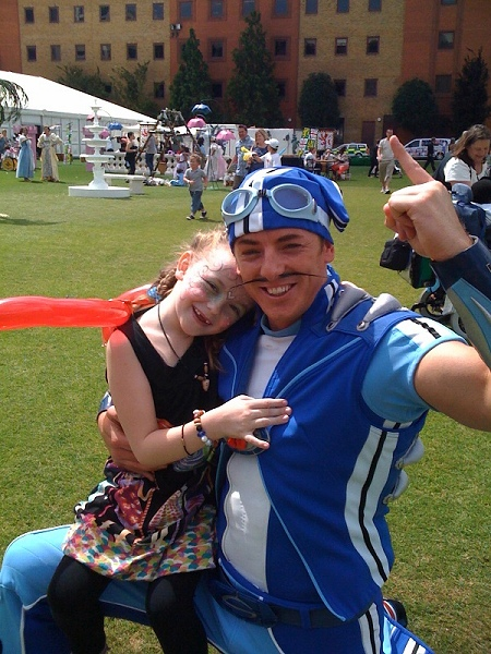 Daisy with Sportacus